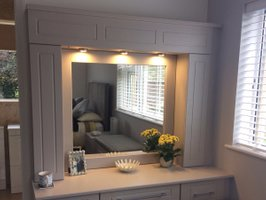 Dressing Table with Lights & Mirror